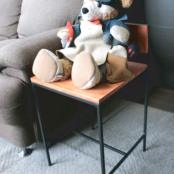 木材と組み合わせた椅子