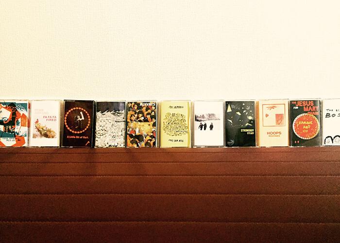 並べたカセットテープ